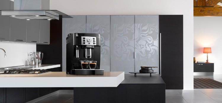 profi kávovar do domácnosti Delonghi ECAM 22